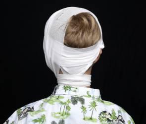 В Воронеже дед-зануда кинул камнем в 9-летнего мальчика и проломил ему череп