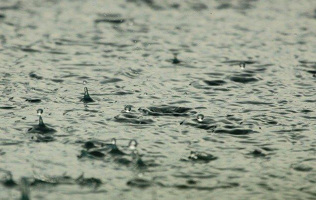 Сильнейший ливень превратил улицы Воронежа в реки