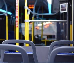 После ливня в Воронеже затопило салон автобуса с пассажирами
