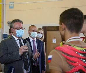 Вадим Кстенин встретился с чемпионами мира по спортивной акробатике