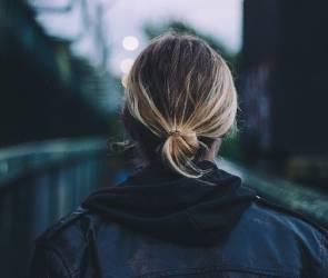 Воронежец спас девушку от самоубийства на виадуке у Заставы