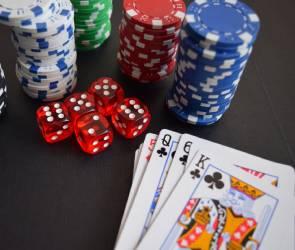Организовавшие подпольное казино воронежцы получили условные сроки