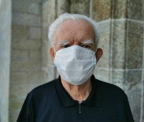 Отрицающего пандемию воронежца оштрафовали за отсутствие маски