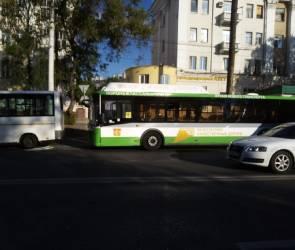 СК: при столкновении автобусов в Воронеже пострадали четыре пассажира