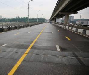 Воронежцы пожаловались на дорожные дефекты на Северном мосту
