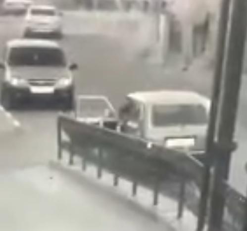 Появилось видео с места нападения на отделение полиции в Лисках