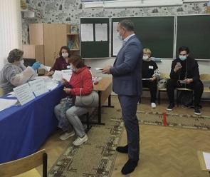 В Воронежской области депутаты активно голосуют на выборах в Госдуму