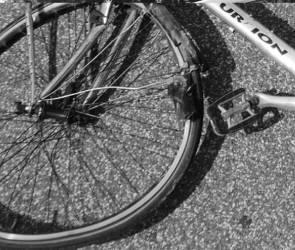В Воронеже разыскивают свидетелей ДТП в центре со сбитым велосипедистом