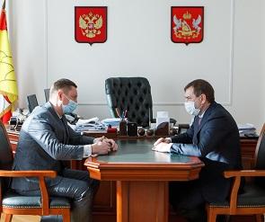 Владимир Нетёсов и Денис Чушкин обсудили развитие конкуренции в регионе